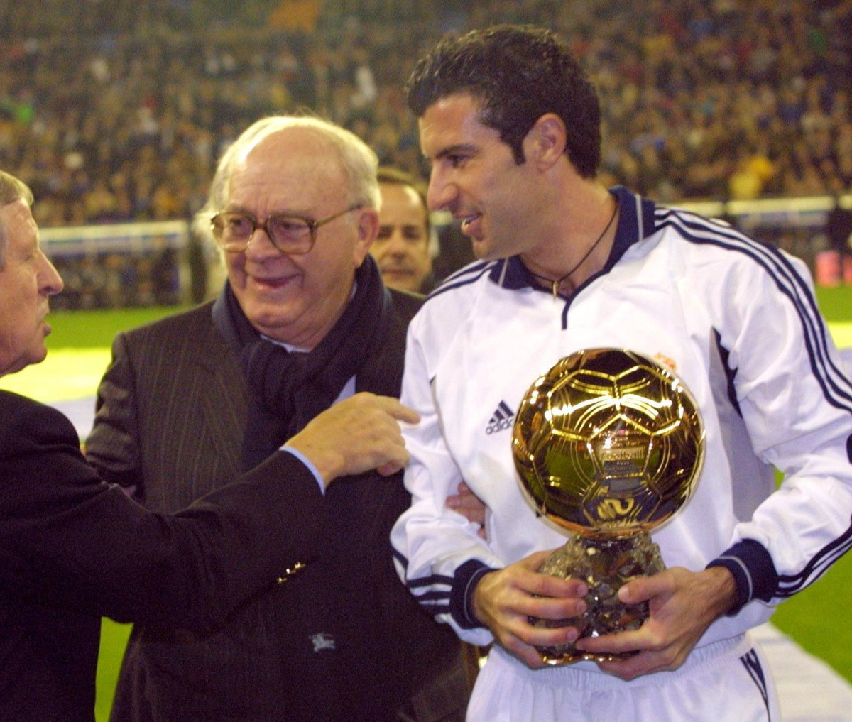 """Figo: """"Trading Barcelona for Real Madrid was the right decision"""" #RealMadrid pic.twitter.com/vMgOZvvqEs"""