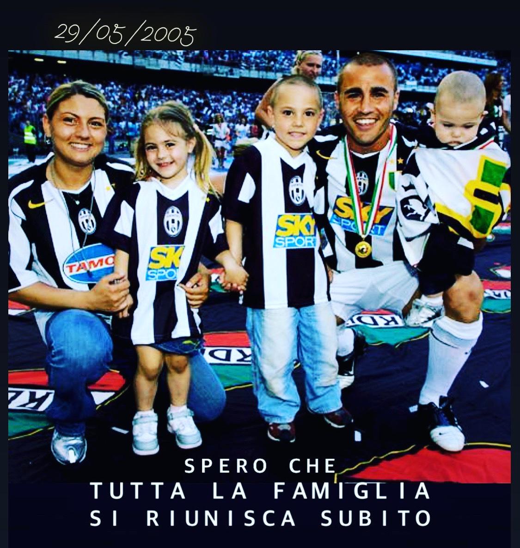 Spero che tutta la famiglia si niunisca  al più presto!  #rievocare 29/05/2005  #legend #difensore #fuoriclasse #juventus #bella #famiglia  #FabioCannavaro #Cannavaro #ilmioeroe #ilmioMISTER #ilmioCAPITANO #ilmioFC #カンナヴァーロをマンマーク#カンナヴァーロpic.twitter.com/zciyekkhDc