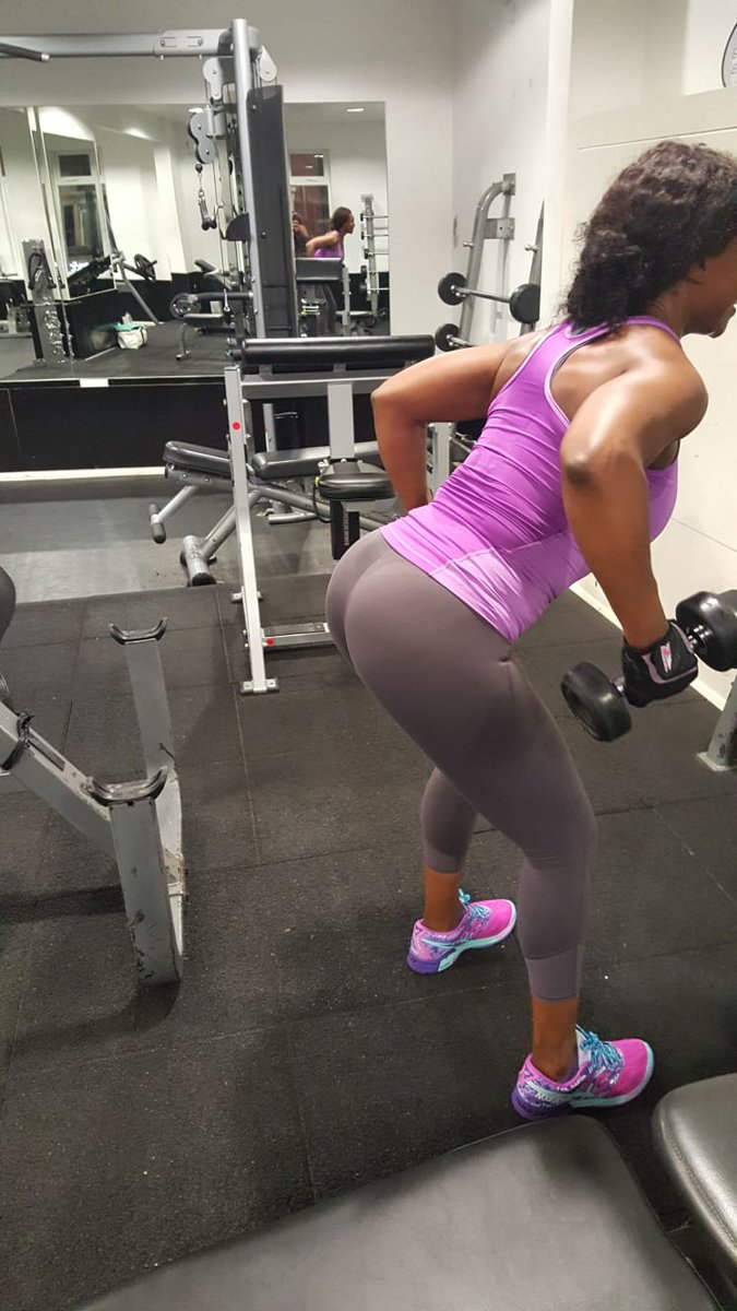Hump day or flex Friday?  #CathyCan #socanyou #fitfam #letsgo #fitlifestyle #bodygoals #fitnessgoalspic.twitter.com/u8jG2d6svd
