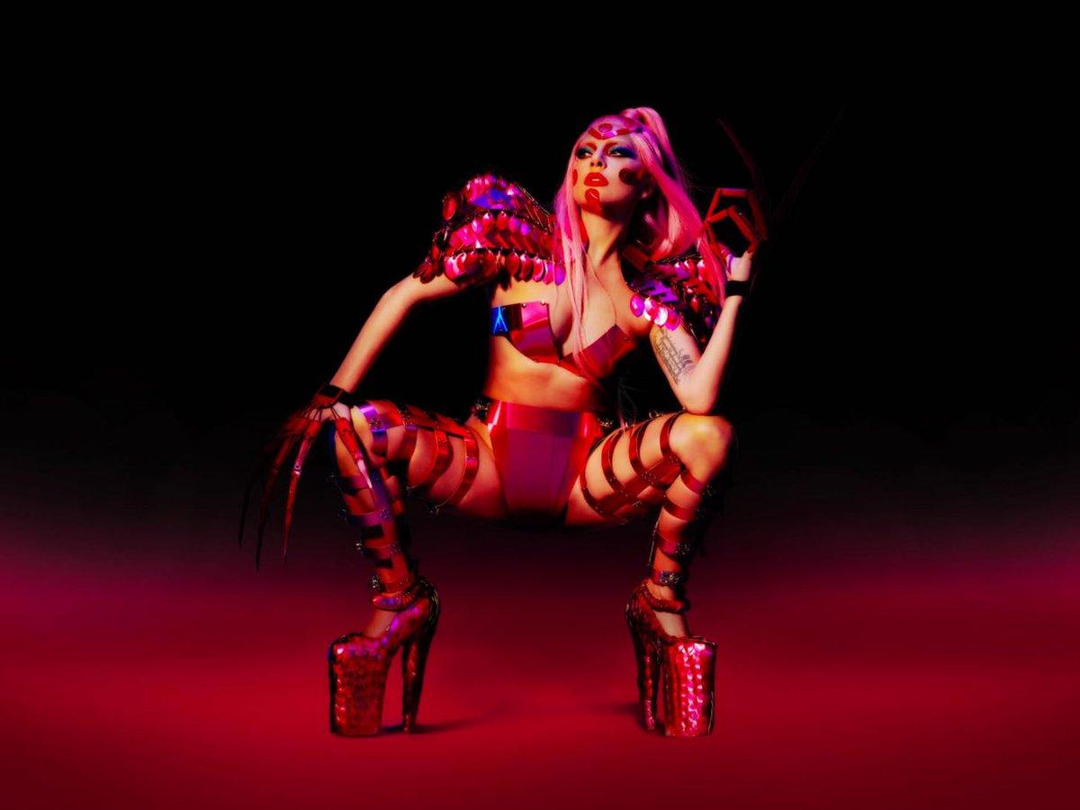 .@ladygaga's #Chromatica flies to #1 on iTunes bit.ly/2TNNnel