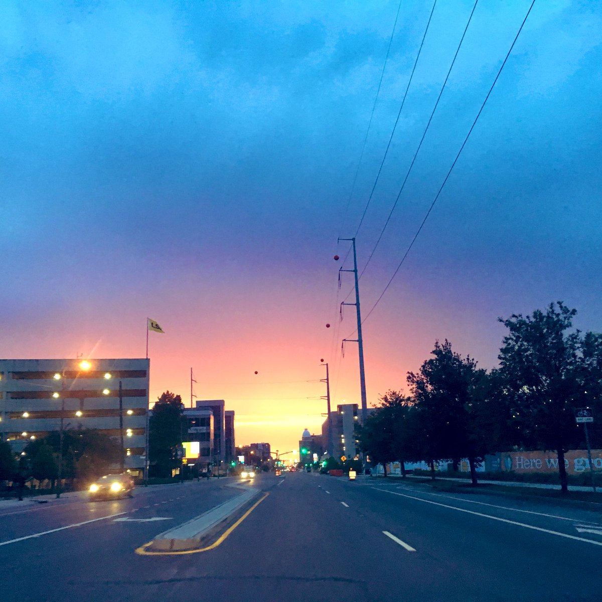 Sunset on Tulane Ave. #NOLA<br>http://pic.twitter.com/8PsrrkrMbr