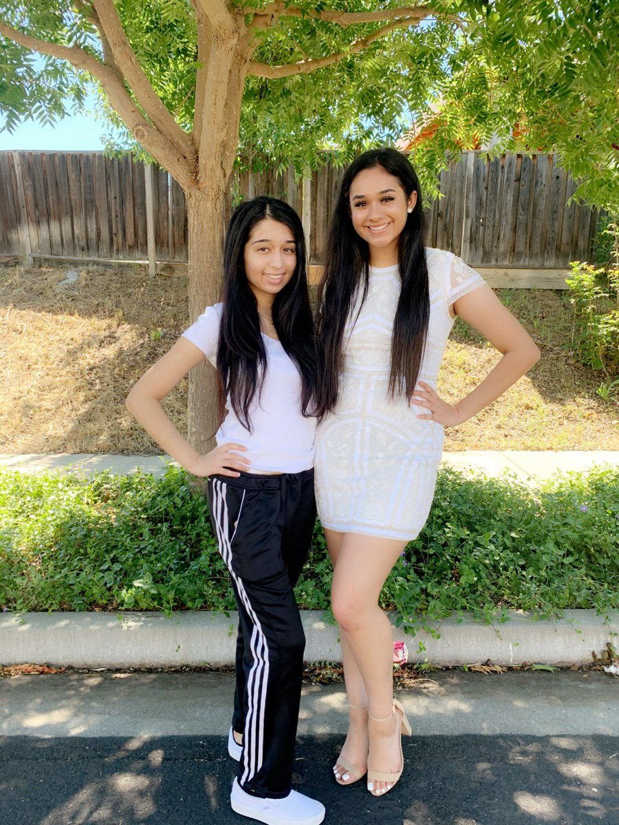 My older sister graduated today, and I couldn't be anymore prouder🥺💗 #UCLABOUND BEAUTIFUL AND SMART @simdhillon11  (Ignore me being a bum LOL) https://t.co/82GFtPf4TM