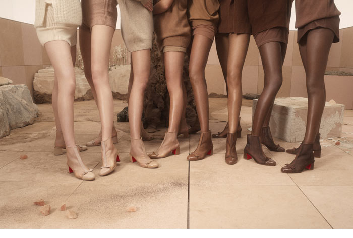 De nouveaux Nudes en 2020 pour Christian Louboutin https://t.co/7mcuyeDBP9 #luxe #luxury #chaussures #shoes #new #nudes #style #look #bottine #sneakers #sandale #ete2020 @LouboutinWorld #mode #fashion #louisjunior #poolstud #cheekypoint https://t.co/hLbuUvl00j