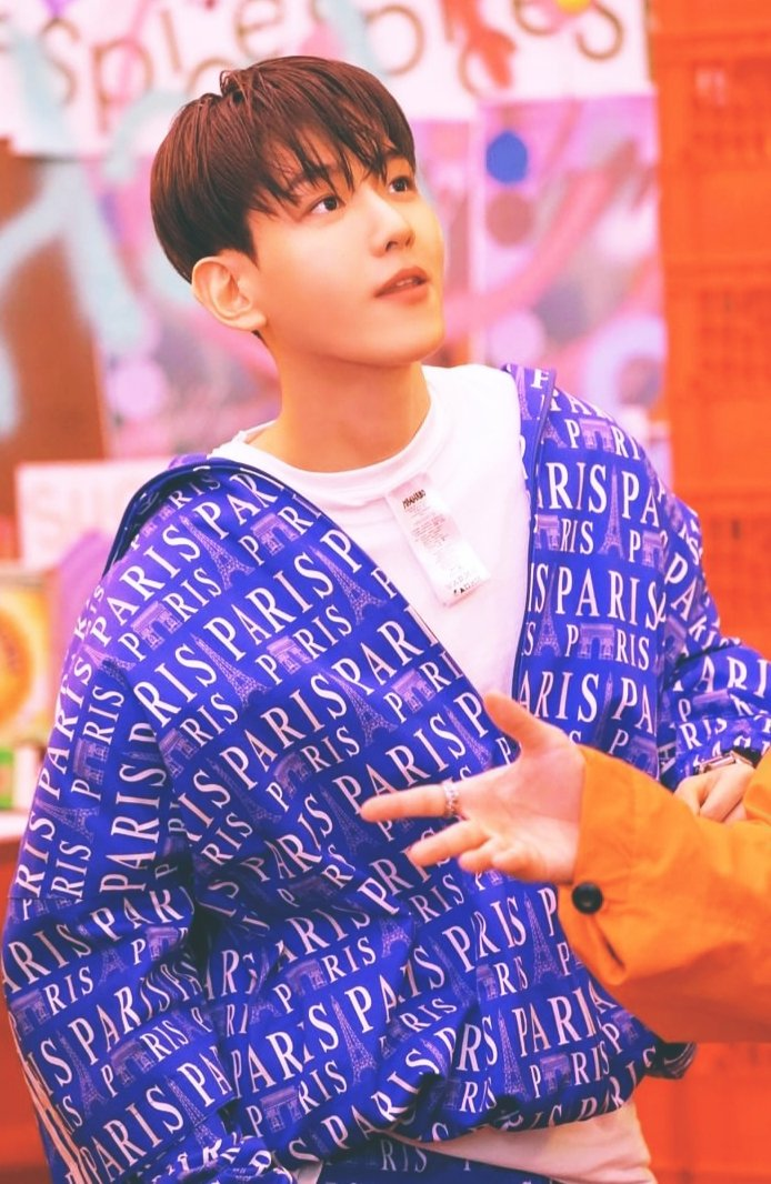 @weareoneEXO @B_hundred_Hyun #BAEKHYUN #EXO #weareoneEXO  #BAEKHYUN_Candy #Delight  💙🐶 ❤🍭 🍓🍓🍓 Baekhyuneeeee ALWAYS so beautiful in all colors and presentations.  HE IS SOOO CUTE AND THE SAME TIME SOOO HANDSOME 😍😍 !!!! https://t.co/DqONT2wO0T