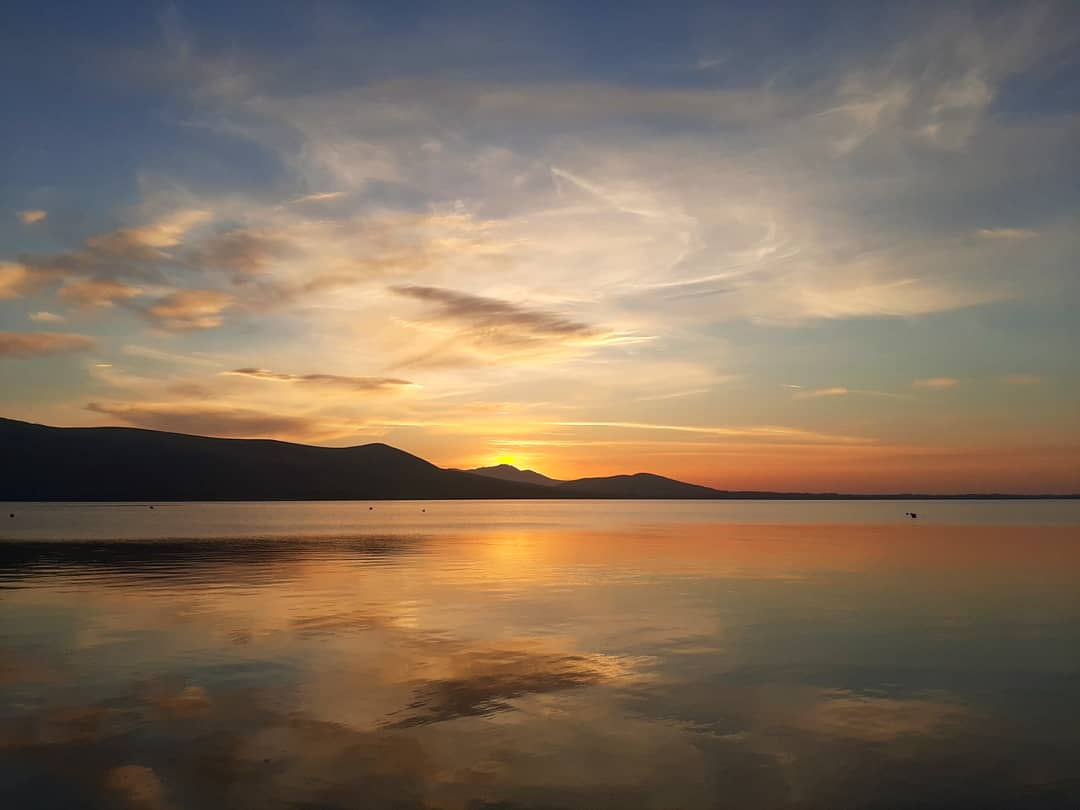 Good morning from Carlingford @IAAT_ie @GoToIrelandCA @CarlingfordIRE @VisitCford  #sunrise #guidedtours #localguidepic.twitter.com/Uxwuevm5Jv
