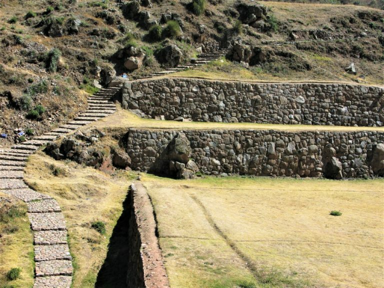 Terraces in the Incan site at Tipon, Peru Read more at https://selfarrangedjourneys.com/tipon #Tipon #Peru #twpic.twitter.com/EhXp40gYAG