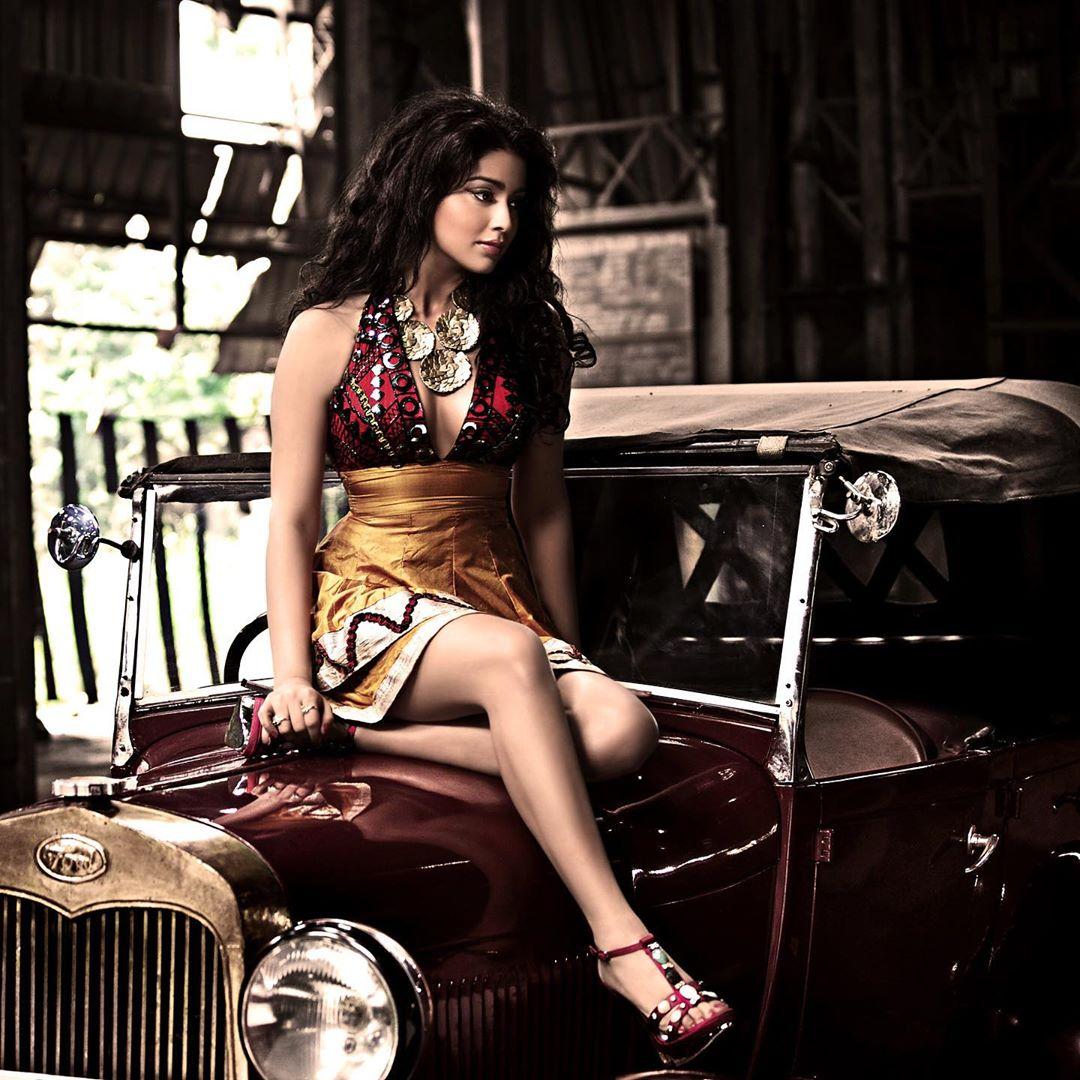 Stunning Stills of #ShriyaSaran #Throwback Pics  #throwbackpic #Shriya #Lockdownextention #stayhome #QuaratineLife #QuarantineTime #quarantineAndChill #staysafe #actress #Actresshot #actressmasala #Tollywood #tollywoodactress #TFITalks   @shriya1109pic.twitter.com/7FOfkZSxDU