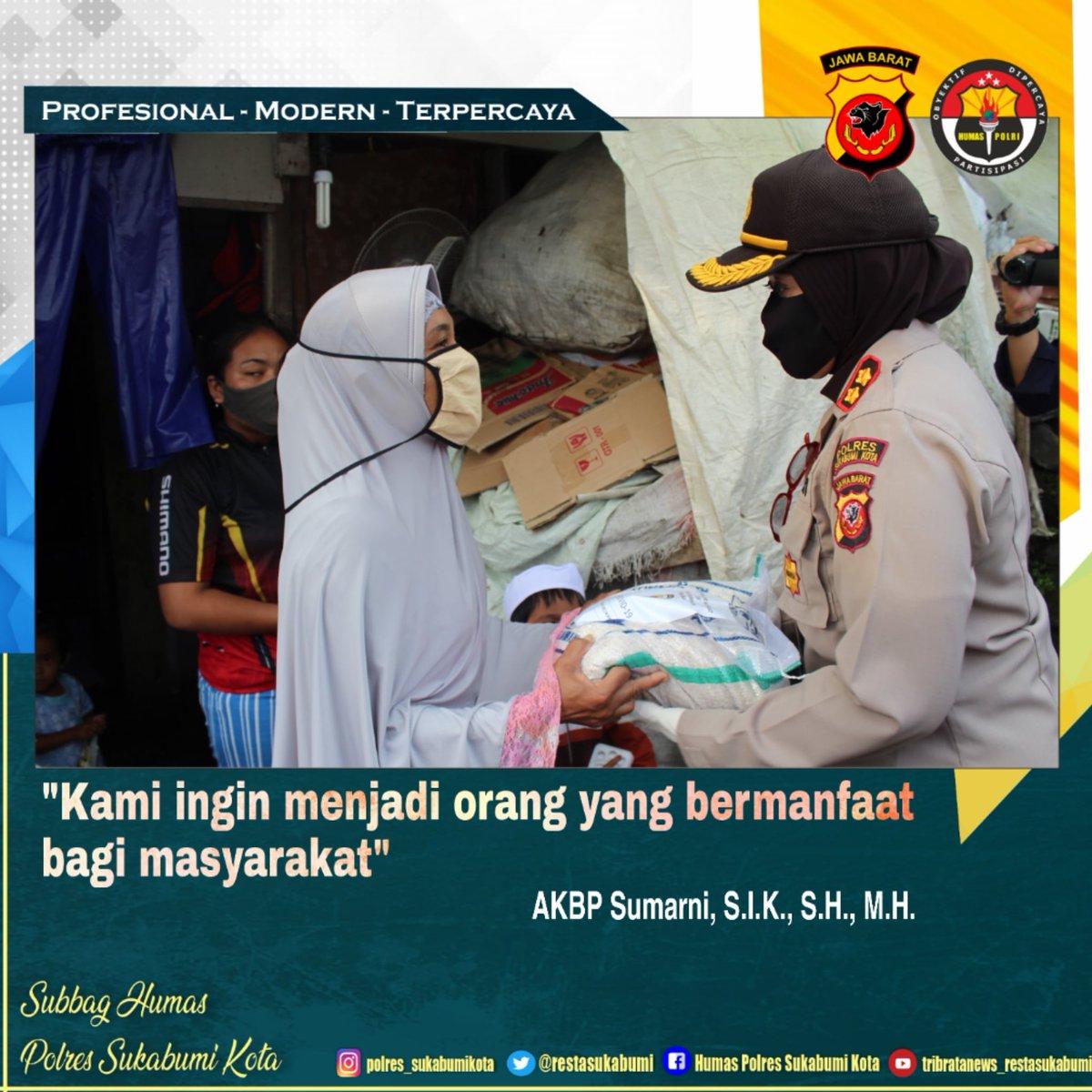 Kapolres Sukabumi Kota AKBP Sumarni, S.I.K., S.H., M.H. menyalurkan bantuan sosial kepada warga kurang mampu yang terdampak pandemi covid-19 di Benteng Warudoyong Sukabumi, Kamis (28/05/2020) sore.  @divisihumaspolri @humaspoldajbrpic.twitter.com/sv2WWyn1Yx