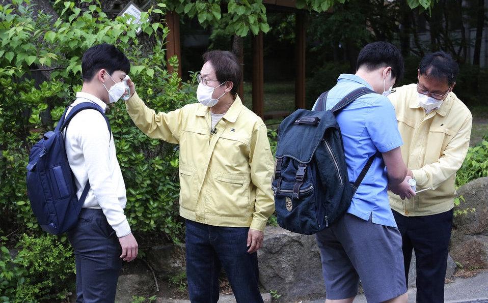 Corea del Sur enfrenta rebrote de coronavirus tras reapertura y ordena de nuevo cierre de cines, parques y espacios públicos
