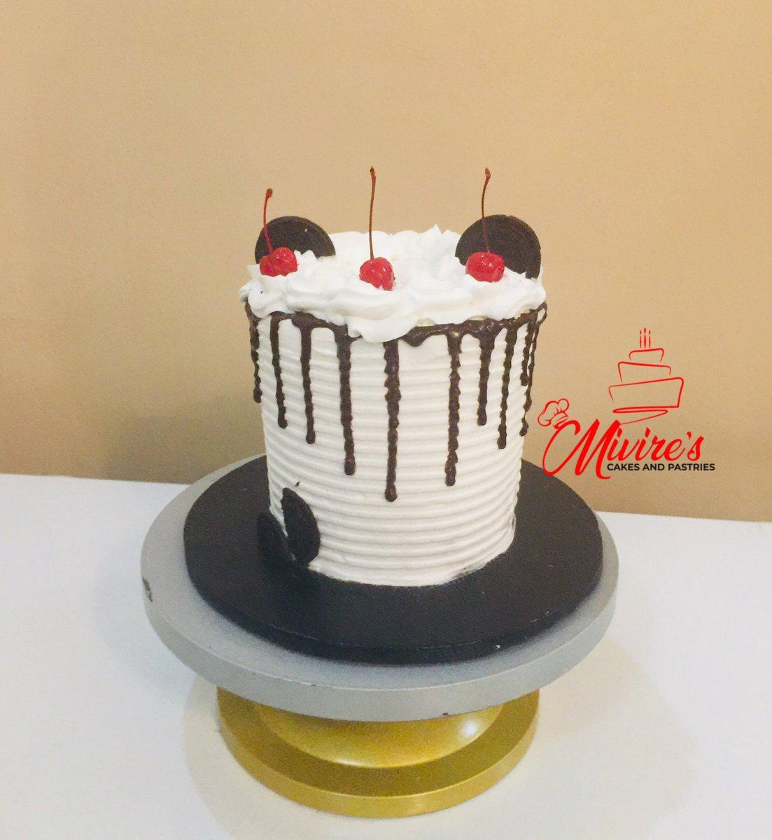 Whipped cream goodness!  #AbujaTwitterCommunity  #whippedcreaminabuja #abujabaker #abujabakers #bakersinabuja #cakesinabuja #abujaconnect #abujamums #abujawedding  #abujaweddings #abujafoodie #abujacakes #abujaslayers #abujavendor #abujavendors #abujalifestyle #abujapic.twitter.com/uO46bPFPPt