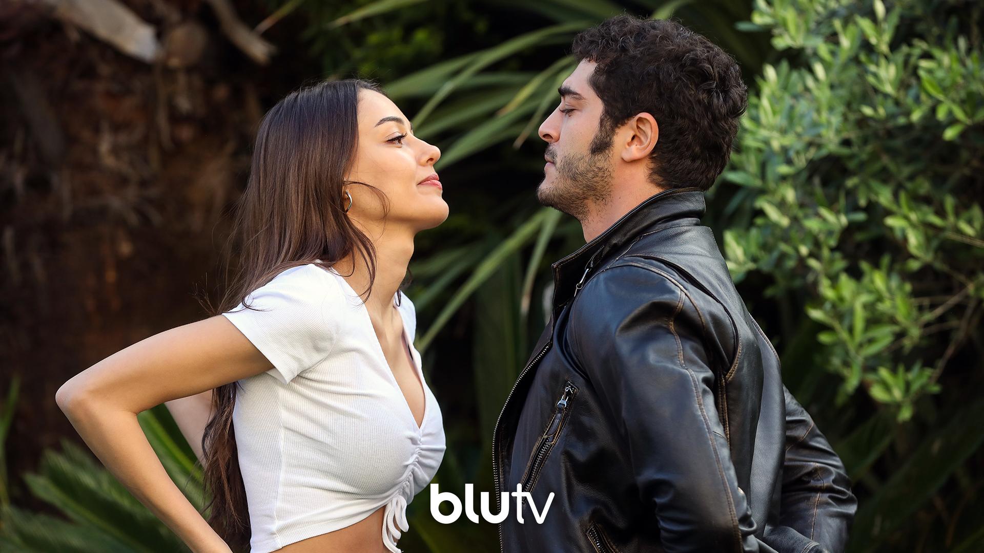 """BluTV on Twitter: """"Dilan Çiçek Deniz & Burak Deniz?? Aşk iki beden arasında mıdır yoksa iki ruh arasında mı? Sorunun cevabı yeni BluTV özel yapımı Yarım Kalan Aşklar'da. #YarımKalanAşklar yakında sadece BluTV'de. @"""