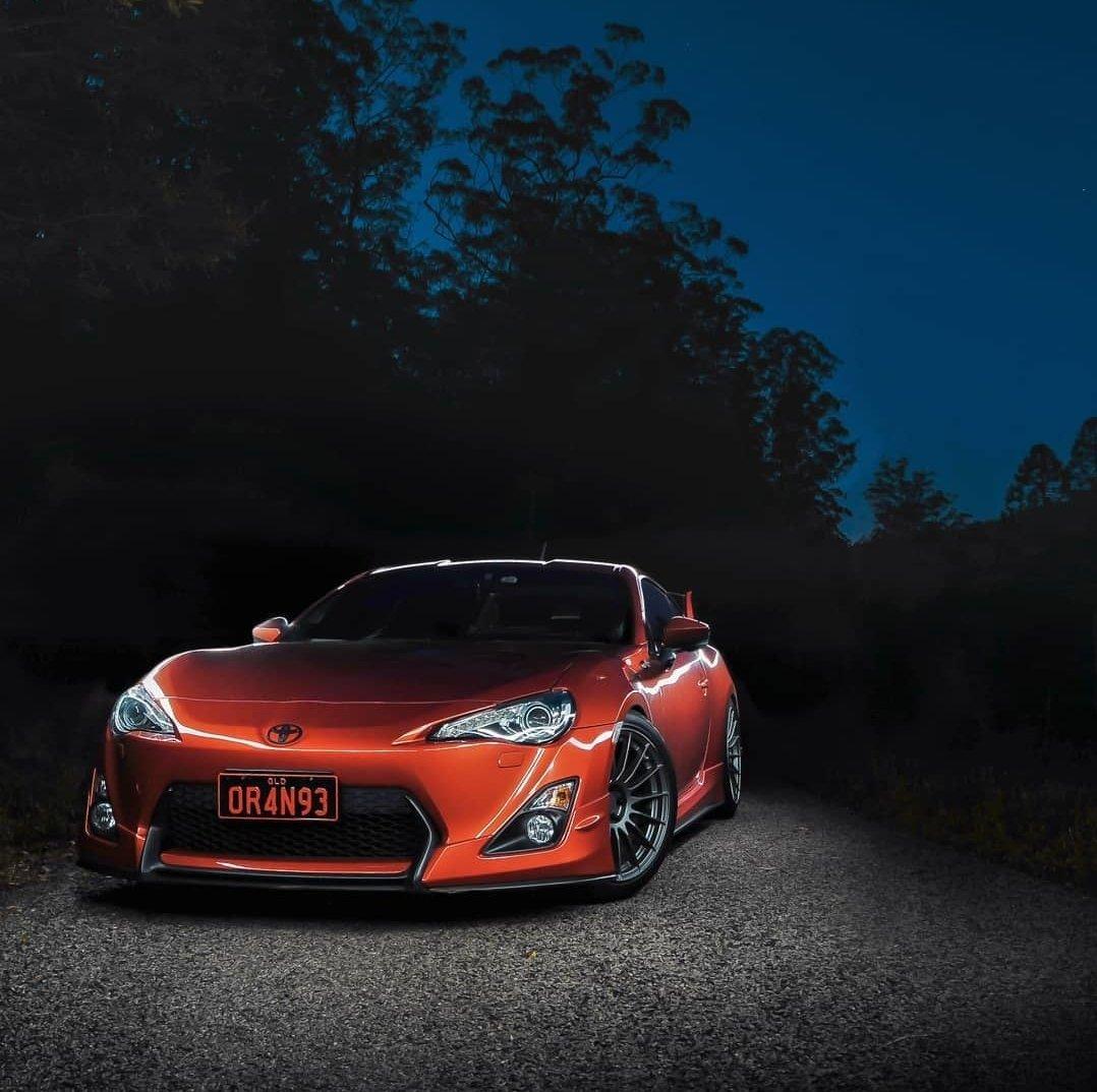 Demands the spotlight. . Photo by @_renier93. . . #TOYOTA #Toyota86 #SportsCar #Orange #OrangeCar #ToyotaNation #ToyotaFamily #CarsOfInstagram #CarOfTheDay #InstaAuto #AutoNation #Drive #Ridepic.twitter.com/pH7J2toYnC