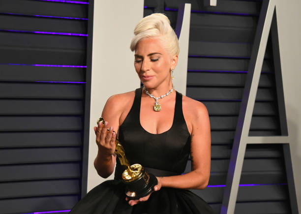 Lady Gaga stopped by security after leaving Oscars with 128-carat jewels #LadyGaga
