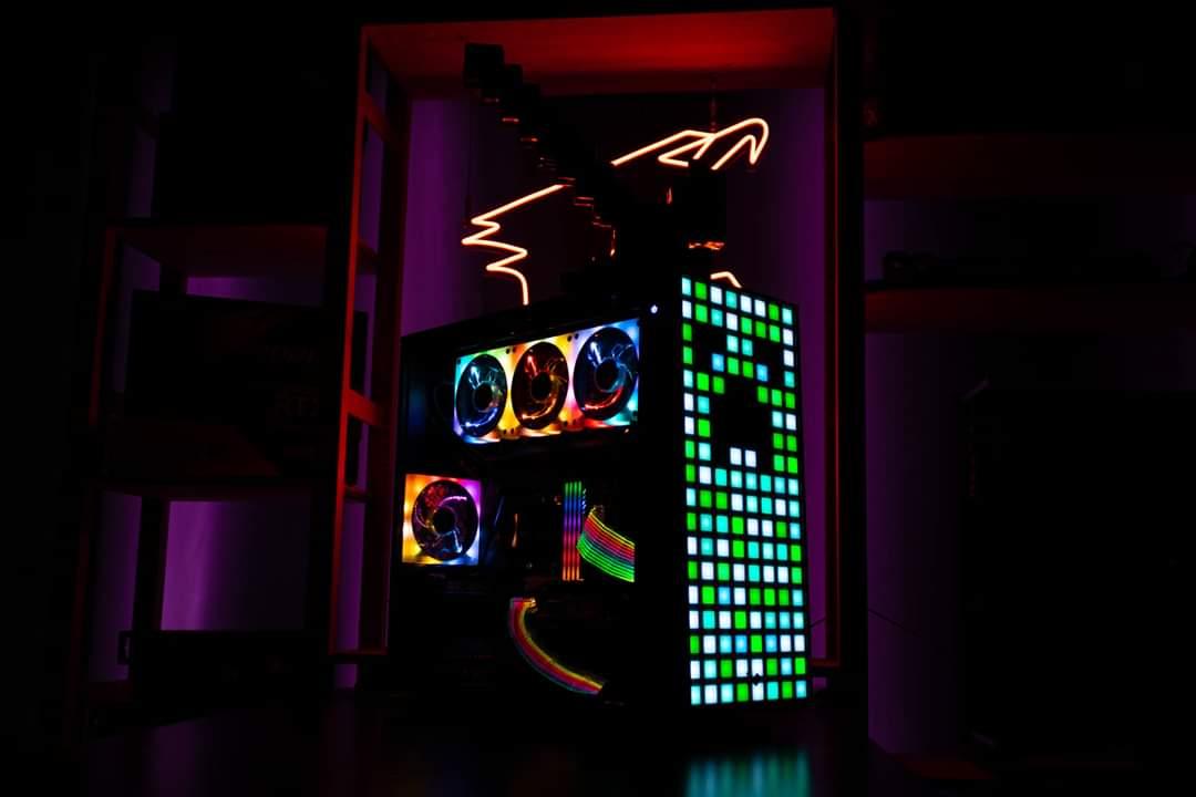 #Minecraft theme Build! مواصفات الجهاز CPU: #AMD Ryzen 9 3900X MB: X570 #AORUS PRO VGA: AORUS Radeon RX 5700 XT8G RAM: AORUS RGB Memory 16GB (2x8GB) 3600MHz SSD: AORUS NVMe Gen4 SSD 1TB Cooling:AORUS LIQUID COOLER 360 PSU:AORUS P850W ** credit to VIKA KARTERpic.twitter.com/xxbRa581jZ