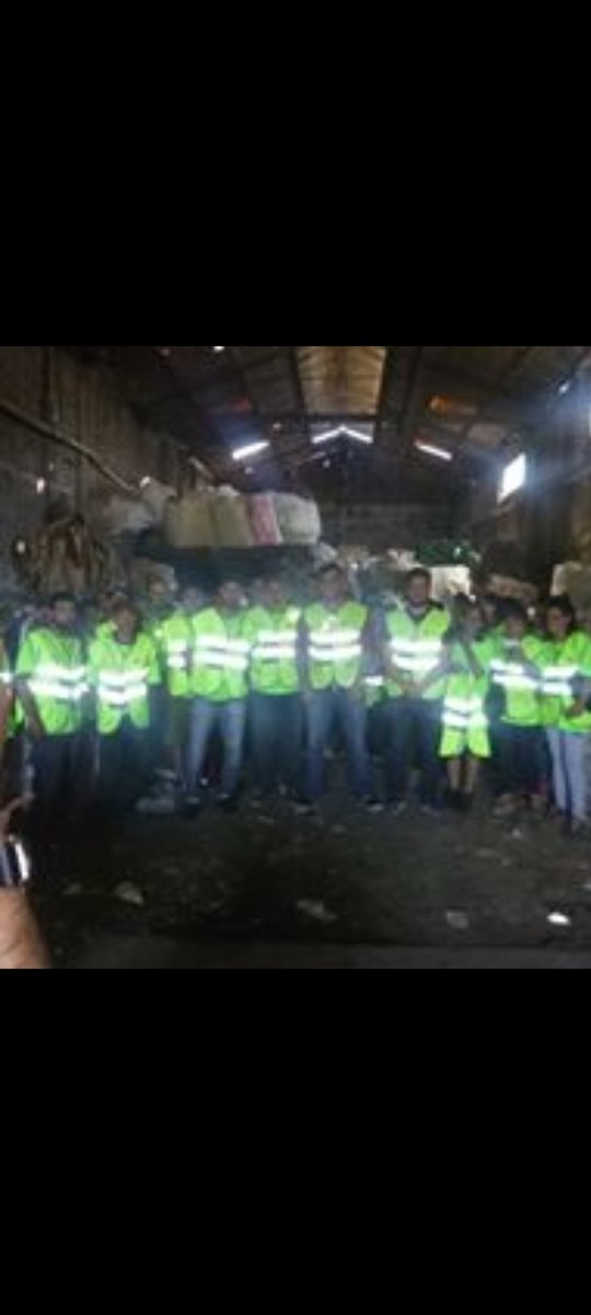 Somos trabajadores ambientales que todos los dias reciclamos toneladas de residuos secos que genera nuestra sociedad generando trabajo y evitando el entierro de esas materias primas @recuperadores  #Trabajo  #naturalezapic.twitter.com/DSfXfiXmiG