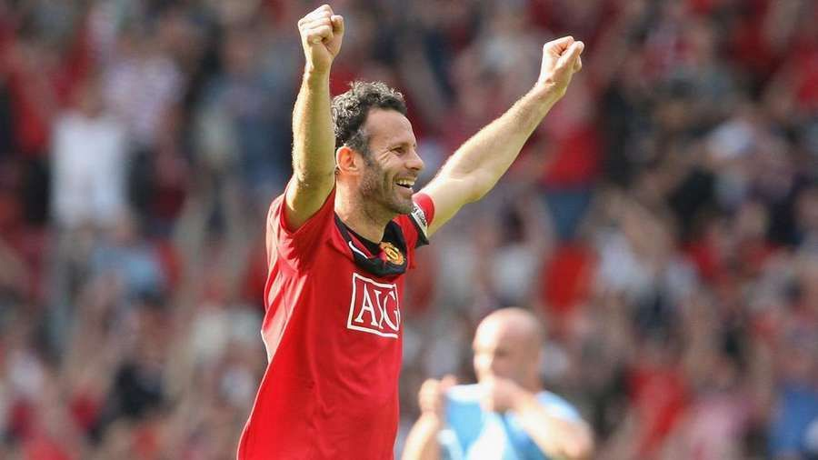 Ryan Giggs names five games he would play again https://t.co/PpsCB3wfkm . #RyanGiggs #Giggsy #MUFC #GGMU #ManUtd #ManchesterUnited https://t.co/Jty0SYz7fG