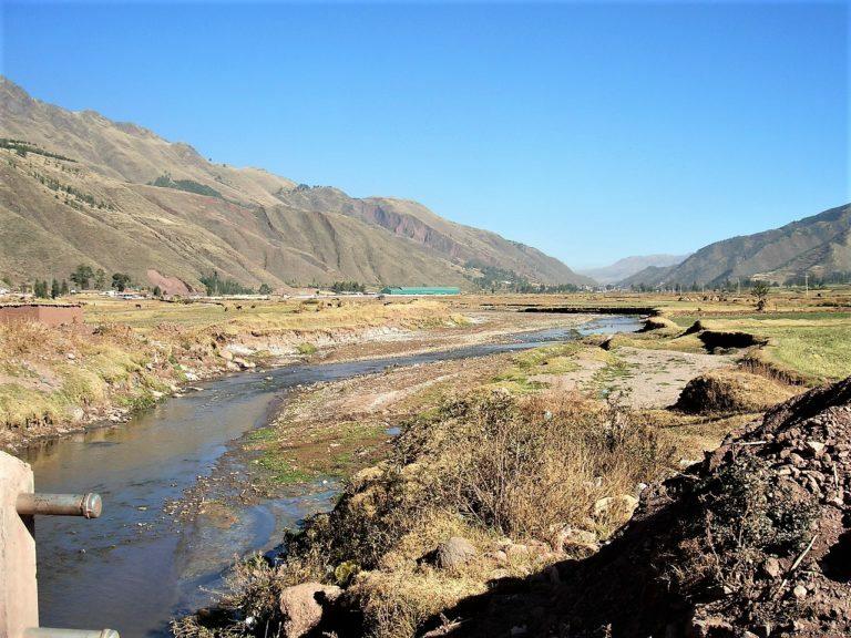 River Urubamba in the Sacred Valley near Tipon, Peru Read more at https://selfarrangedjourneys.com/tipon #Tipon #Peru #twpic.twitter.com/ezmu4bZZmw