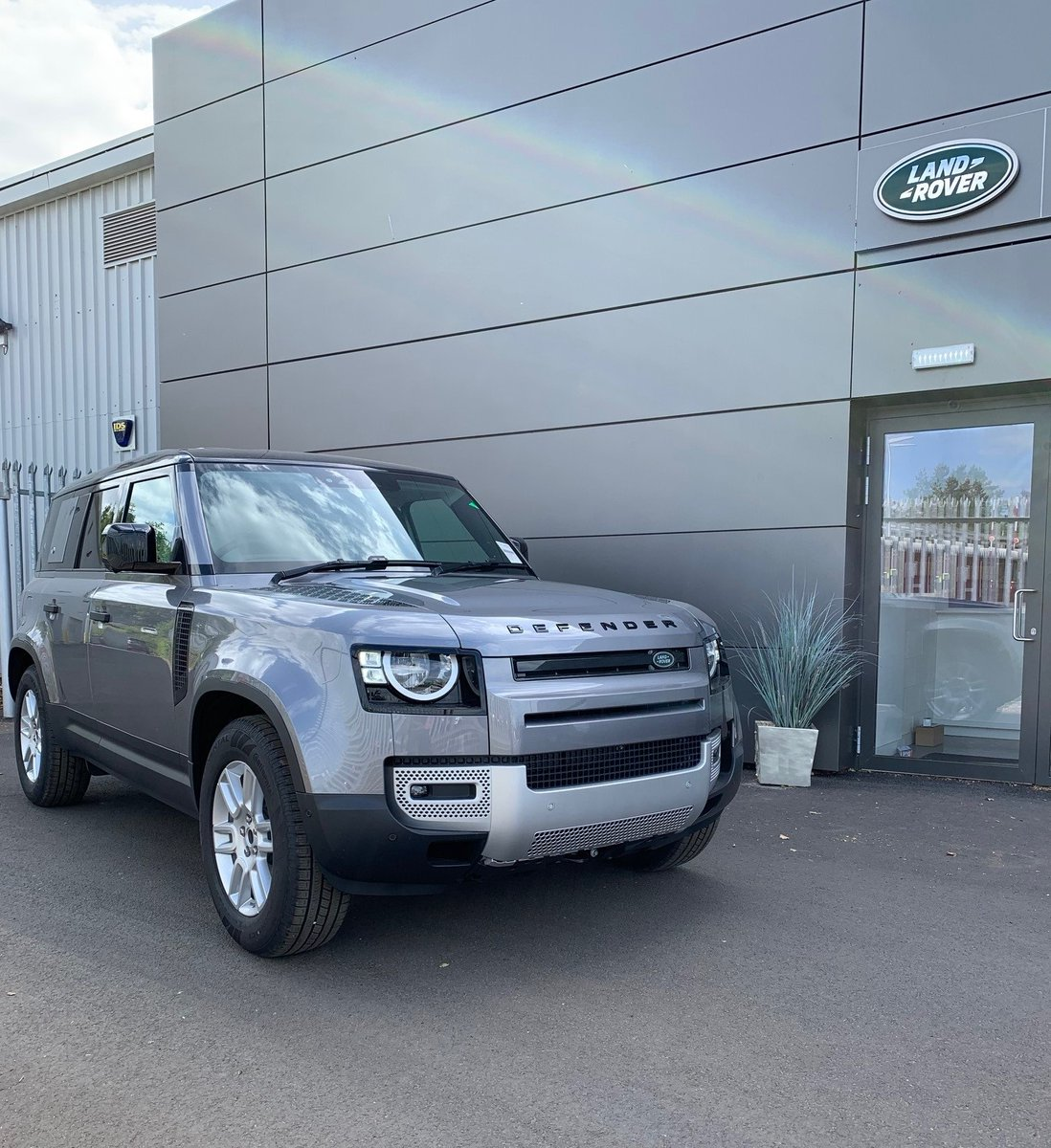 The All New Land Rover Defender has arrived @LandRoverKelso 😁☀️  Enquire today to learn more about this iconic vehicle...  📞 01573 224345  #landroveruk #landrover #defender #icon #capability #kelso #scottishborders #lloydmotors https://t.co/Egoaydl64G