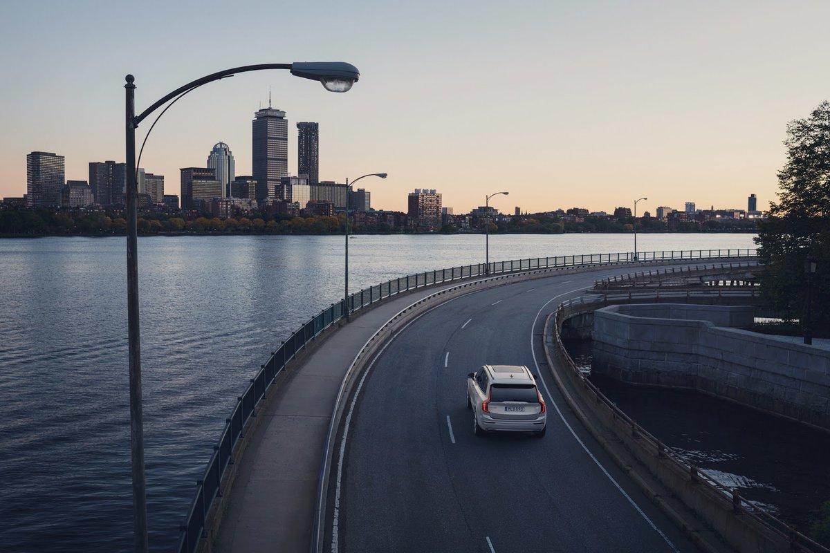 Dotrzymujemy słowa. Wszystkie produkowane odtąd samochody mają elektronicznie ograniczoną prędkość maksymalną do 180 km/h.  Poznaj szczegóły: https://t.co/6Pw6JvmOY7 https://t.co/ct4WEg7wQv