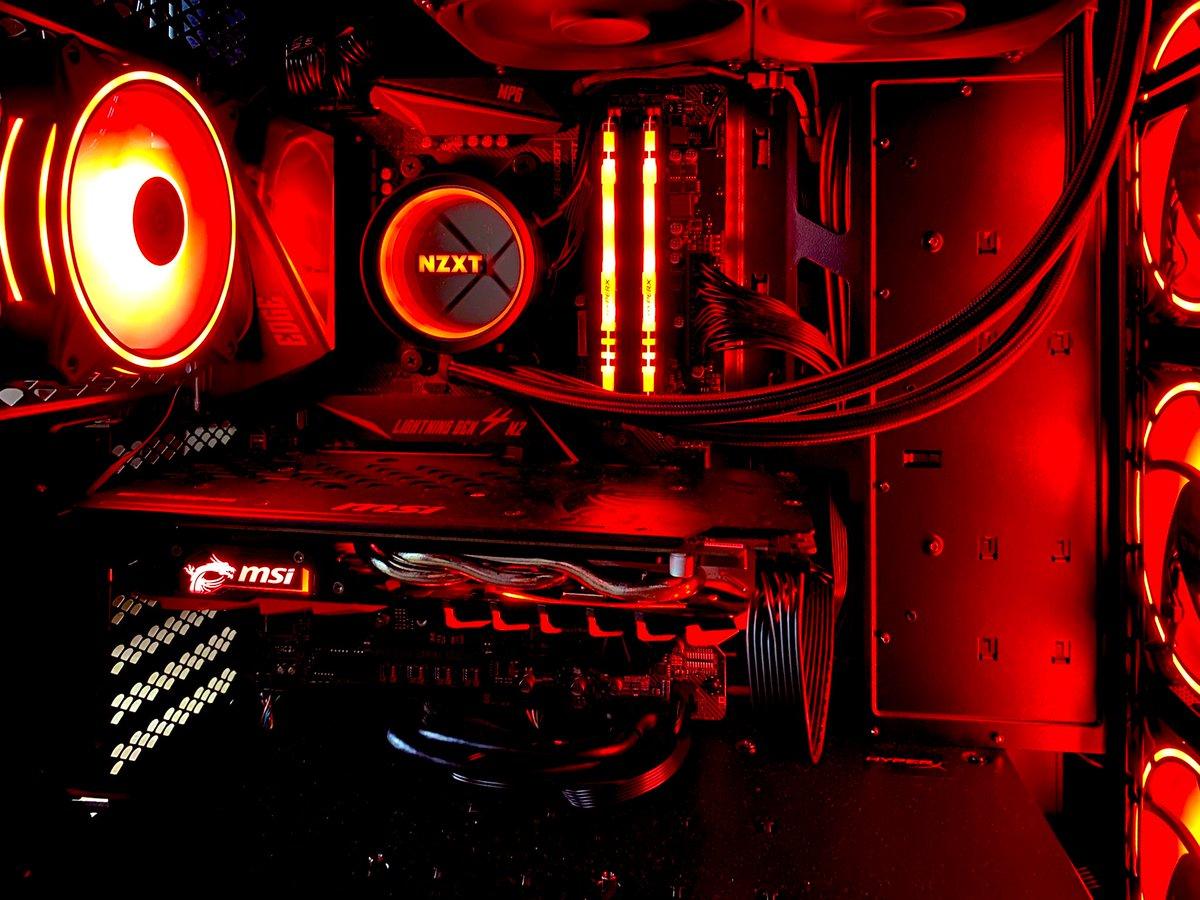今回の #自作PC CPU:#AMD ryzen5 3600 MB:#MSI MPG x570 gameing edge GPU:MSI GeForce GTX 1060 6GB MEM:#Kingston DDR4-2666MHz 8GB x 2 hyperX RGB SSD:#WD_black M.2 1TB NVMe CPUFAN:#NZXT KRAKEN X53 ATX電源:#玄人志向 750W 80plus gold CASE:MSI MPG GUNGNIR 100D FAN:coolermaster mf120pic.twitter.com/XejDg1PBZ7