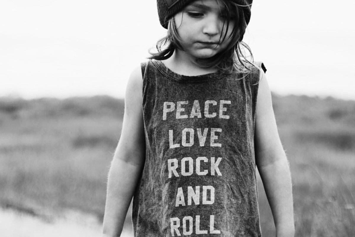 All we need is... #Peace #Love & #RockNRoll 🤘🎶🎸❤🙏💖💕🌸🎶🎸🤘❤🙏   #Music #Rock #MusicTherapy