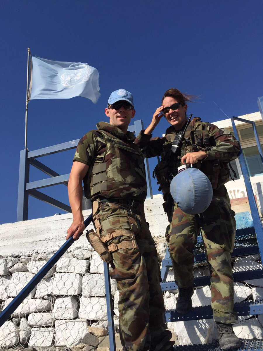 Today in UN peacekeeper's day #PKDay. This year's theme is recognising the power of #womeninpeacekeeping to create a better world for all. I've had the honour & privilege to serve with many excellent women & men from all countries in service or #peace. #Korea #Finland #Irelandpic.twitter.com/H4Tj1CGbWV