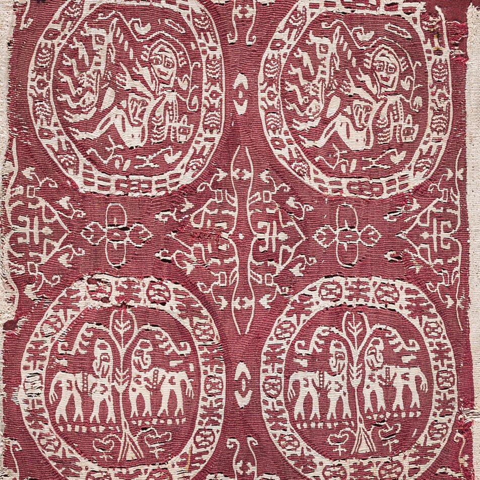 Pilar Tomàs Farell va ser essencial pel que fa a la #conservació del material #tèxtil a #Catalunya. Empleada a l'Institut Amatller d'Art Hispànic, dirigit per Josep Gudiol, va estar al càrrec de les col·leccions tèxtils barcelonines des de l'any 1951 al 1976.pic.twitter.com/bYub5XFcYt