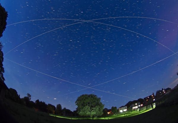 TONIGHT A bright International Space Station pass over the UK Similar to what the (less bright) #CrewDragon will look like after launch tomorrow. A Great exercise to see if it is visible from where you live. It will be too low for northern UK Times & info meteorwatch.org/iss-internatio…