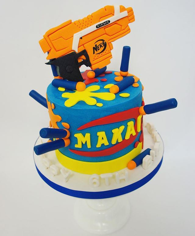 Moms of boys, we know you've had a lot of this going on during the lockdown, our thoughts are with you #boymomlife #nerfguncake #instacake #cakestagram #burbankbakery #halfbakedco https://www.instagram.com/p/CAx6L5InK5v/pic.twitter.com/7WxZ0YsbX2