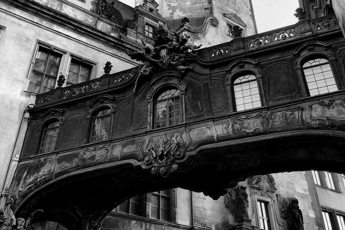 The most difficult bridge is between people  #dresden #photography #blackandwhite #monochrome #heimatliebe #photopic.twitter.com/vdhm8ePsUz