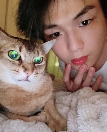 When she's small, my daughter always said she's my cat. So for  #DanitySelcaDay here is mine. <br>http://pic.twitter.com/ZUbbzBxYQF