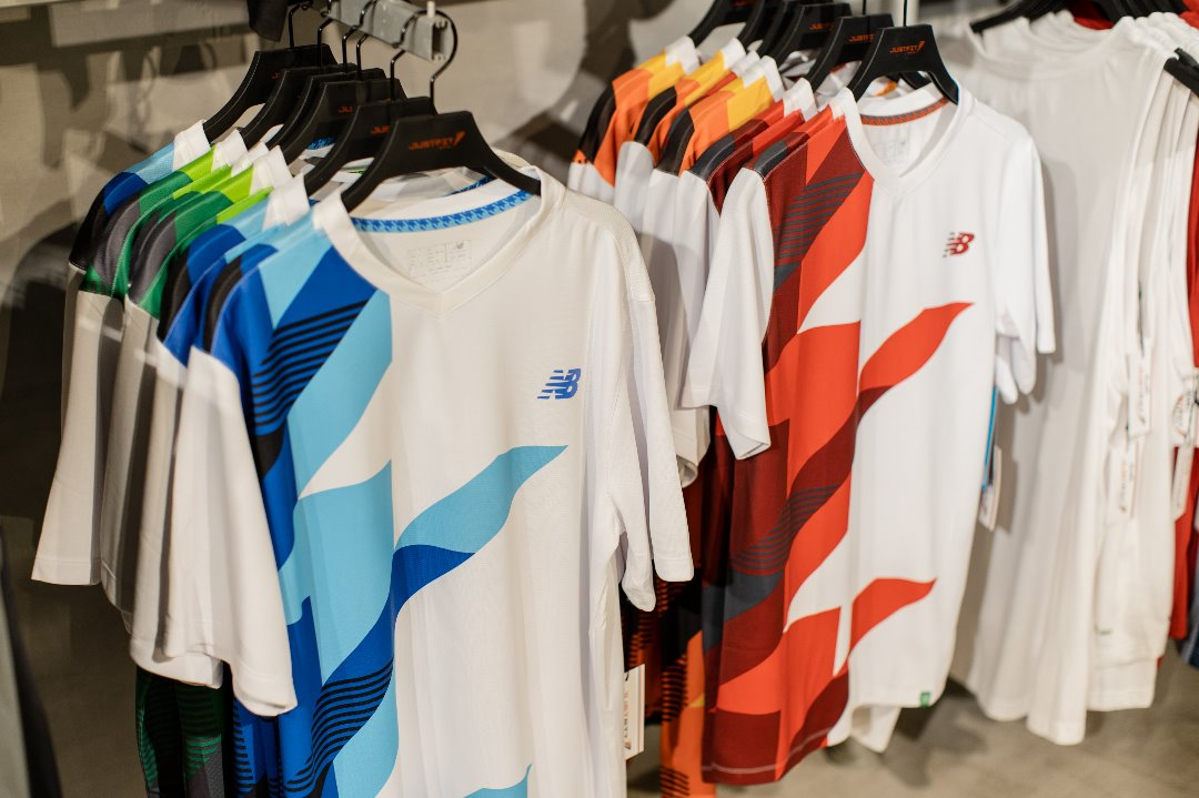 #TeamNewBalance. Sports T shirt now on Sale from 65,000/-  to 27,000/-.same as Tracks from 136,000/- to 125,000/- #FreeDelivery is applied #NationWide https://t.co/clW58B08T1