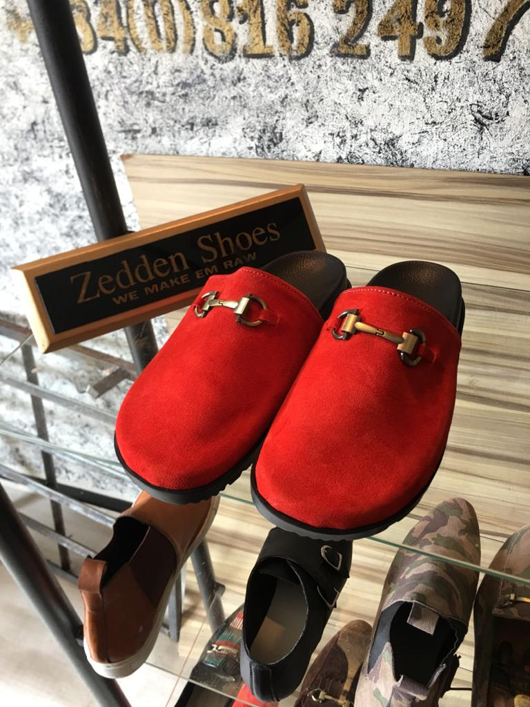 Which would you rather rock? Pick one, anon may surprise you Frame1 10k Frame2 10k Frame3 7k Frame4 10 Handmade by us @ZeddenShoes For order placement DM or wa.me/2348162497576 Delivery service is available Please RT our customer might be on your timeline #TheMatters