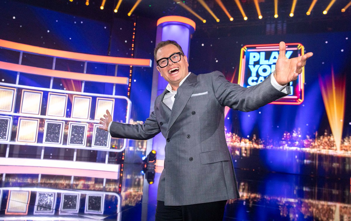 Only two hours to go until you can catch Alan Carr on your screens in tonight's #EpicGameshow, a celebrity special of #PlayYourCardsRight! Featuring @RuthieeL, @EamonnHolmes @IAmChrisRamsey, @Rosemarino, @OreOduba, Portia Oduba, @martineofficial and @jackmcmanus! https://t.co/XF7cADpTsR
