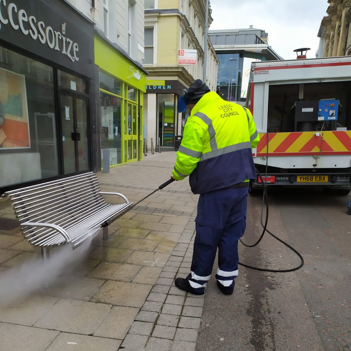Leeds City Councils cleansing services team continue to carry out enhanced cleaning in the city centre, including disinfecting street furniture. Thank you @Clean_Leeds
