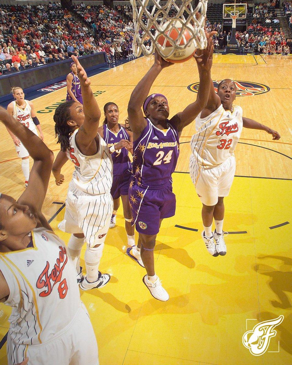 On this day in 2008, we set a #WNBA record with 1⃣5⃣ blocks in a game 💪  @tksb15, @ebonyhoffman16 & @Bevilaqua41 led the way with 3 each in our 82-78 win over the Sparks!  (h/t @WBBTimeline) https://t.co/6l37UTJ9al