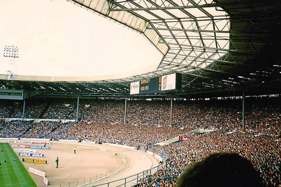 ON THIS DAY 1988: Wolves at Wembley for their game against Burnley #WWFC
