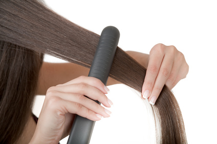 Hair straighteners & curling irons are a major cause of house #fires according to the latest research from Electrical Safety First<br>http://pic.twitter.com/pGC3np9gKq