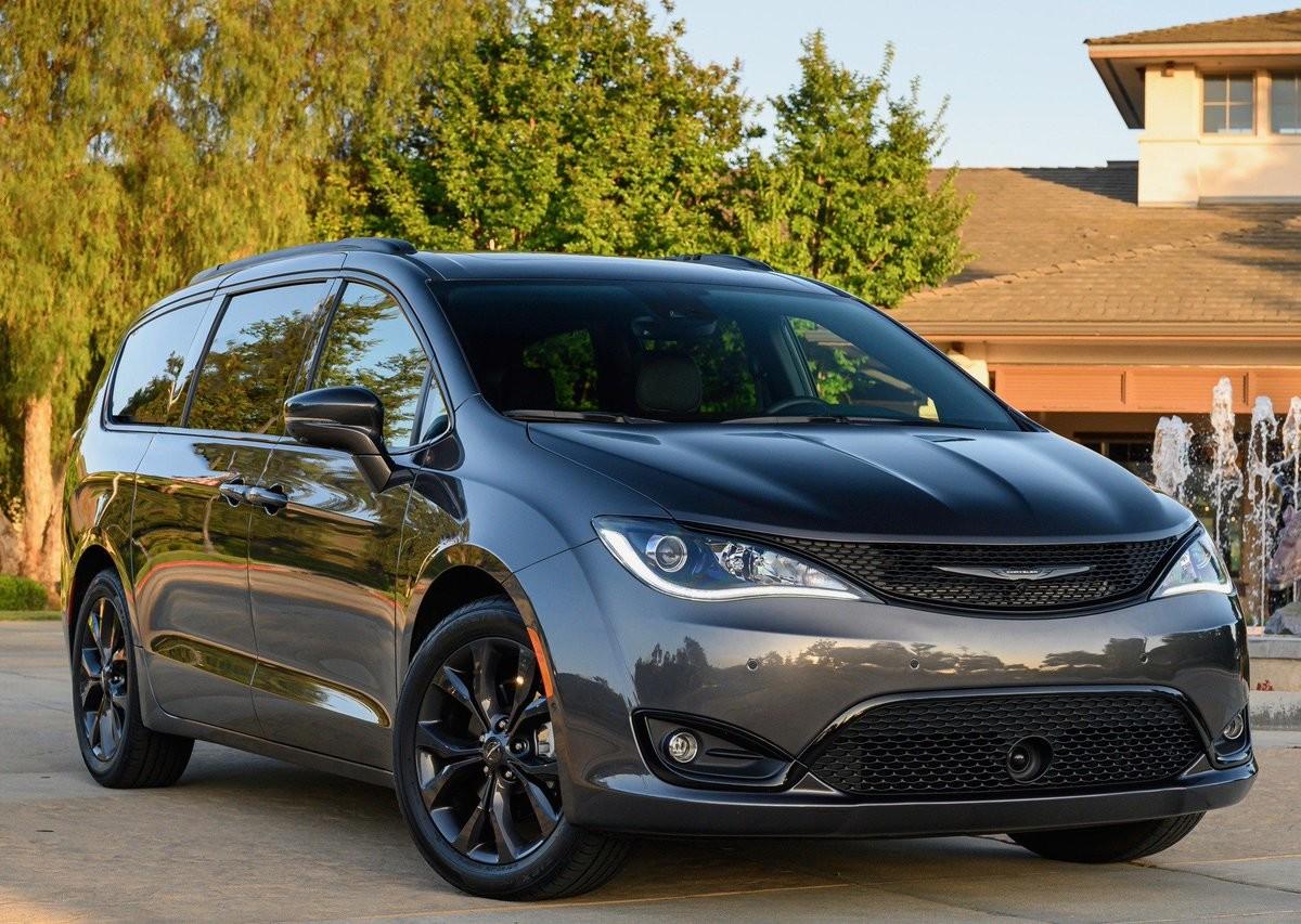 Neighborhood gem. #Chrysler #Pacifica https://t.co/zvyXxnDGK1