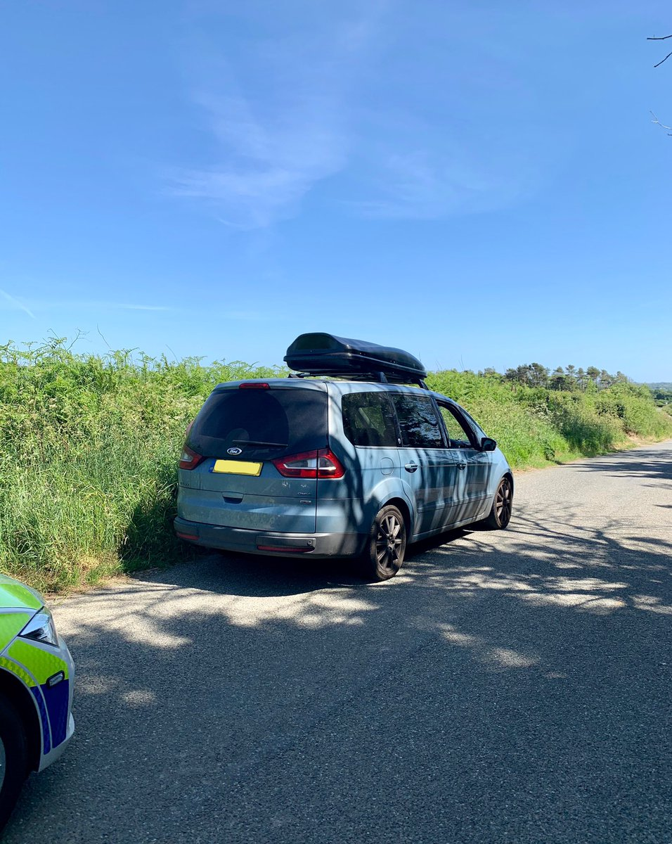 Vehicle from the Coventry area stop checked in Loveston.  The three occupants, who were some 220 miles from their home address,  stated they were on their way to the beach.  Occupants reported for breaching the coronavirus regulations, escorted out of Pembs.  #StayHomeSaveLives pic.twitter.com/n0VutdMGAd