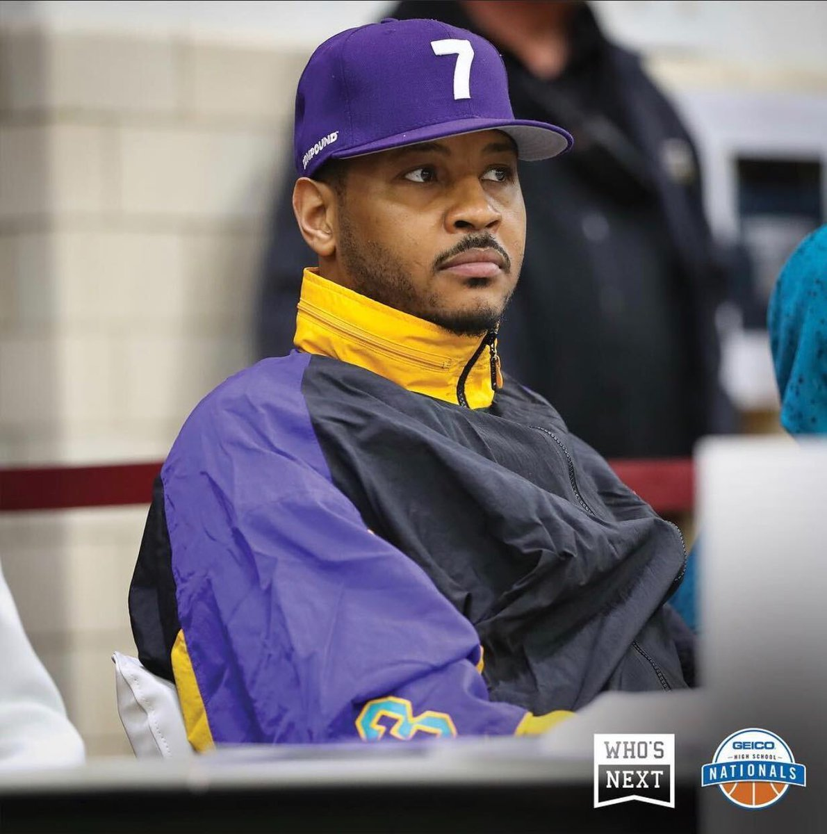 Happy 36th to Carmelo! That time he pulled up to #GEICONationals to support the alma mater 🎂 https://t.co/Sc0QOKwXCD
