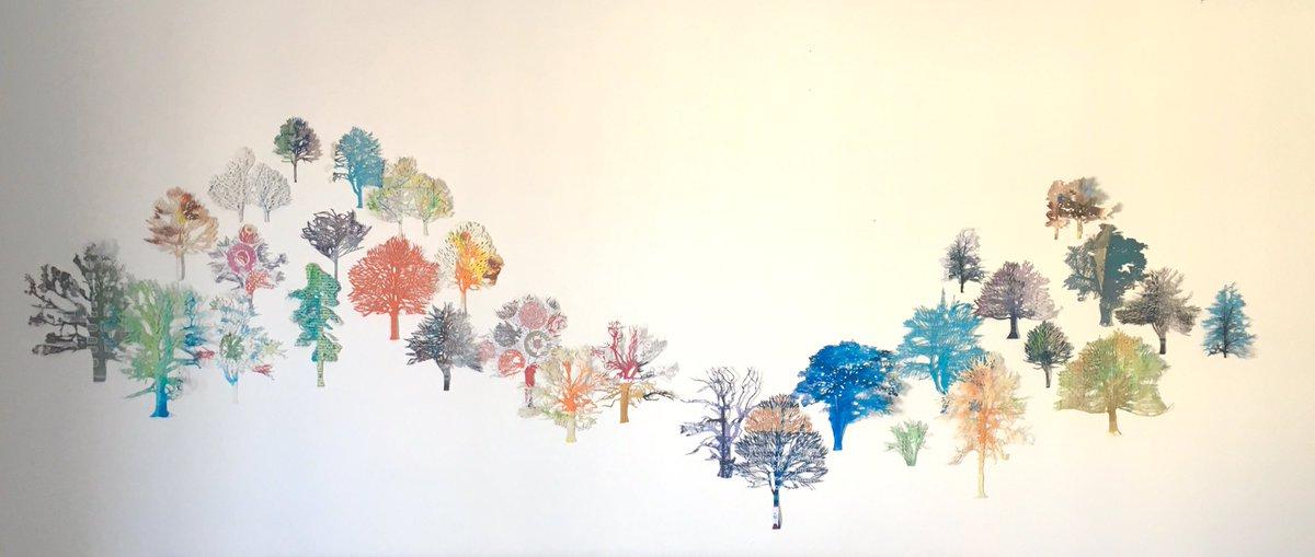 31 hand cut recycled paper trees on my bedroom wall. #artinlockdown #recycledpaper #papercut #yearofthetree #ecoart #contemporaryart #kunstpic.twitter.com/FZ4MMm0bEr