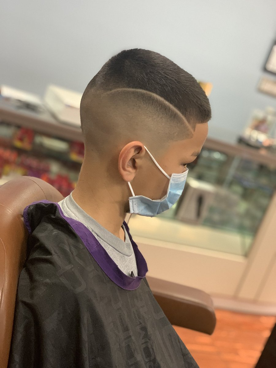 #barber #barbershop #barberlife #barbershopconnect #haircut #fade #barbers #hair #hairstyle #barberlove #barbering #wahl #menshair #beard #andis #barbergang #barbersinctv #hairstyles #barberworld #thebarberpost #style #sharpfade #nastybarbers #barbearia #hairstylistpic.twitter.com/Tw62qOnUHk