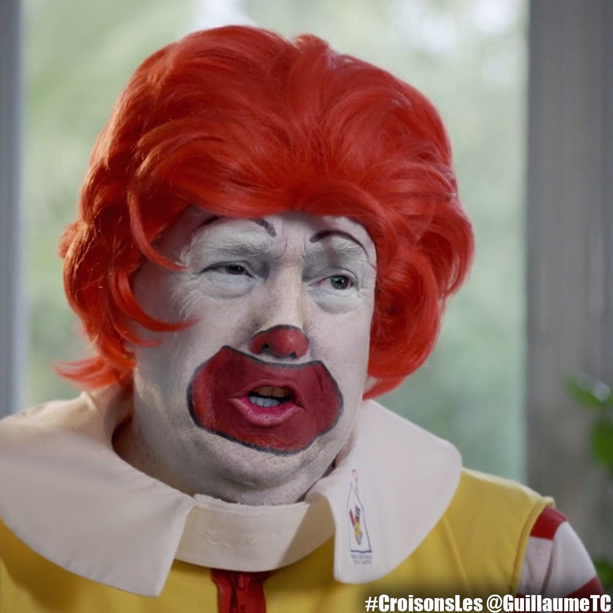 @StephenKing The cheese is sliding off his burger.