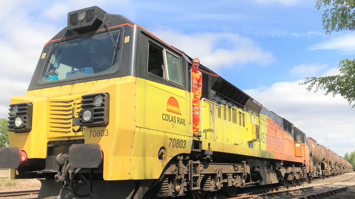 🚄 We're giving cross-border freight a boost by trialling a new @ColasRailUK service. Trains will travel from Aberdeen to Spalding with calcium carbonate for use in the paper industry. Read about Scotland's freight growth: ➡️ bit.ly/36DqvmJ #FreightFriday
