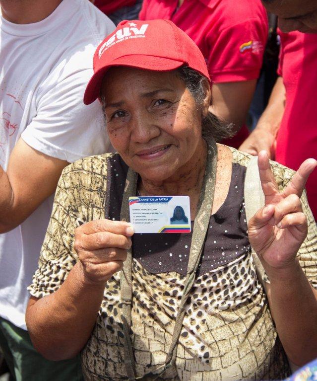 En el Día del Adulto Mayor, el Gobierno Bolivariano levanta las banderas de su dignificación. ow.ly/xOvL30qKMQp #GraciasPuebloHeroico @NicolasMaduro @chato_38 @yasmi70 @GarciaYaru @LucenaVilma @JuntosVnceremos @Ana_RoGV @heriluzqm @Titomara2