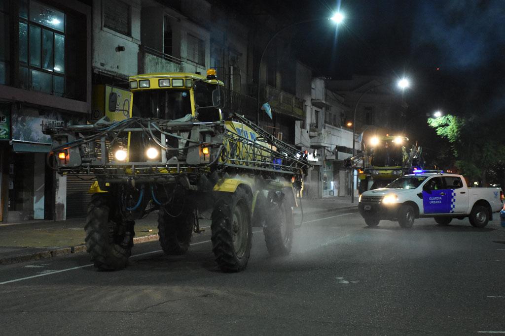 #Chivilcoy Continúa el plan de desinfección de las calles @BritosGuillermo http://laprovincianews.com.ar/index.php/2020/05/29/continua-el-plan-de-desinfeccion-de-las-calles/…pic.twitter.com/WFsryvZXzV