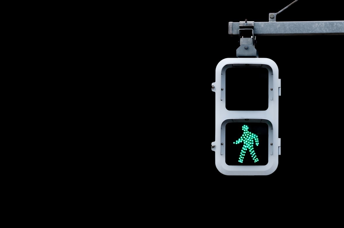 Were making it easier to avoid the risk of infection from pressing the call button 🚦 100+ traffic signals at junctions have now been adapted to automatically give you the green man on a timer when waiting to cross the road #AllTogetherEdinburgh