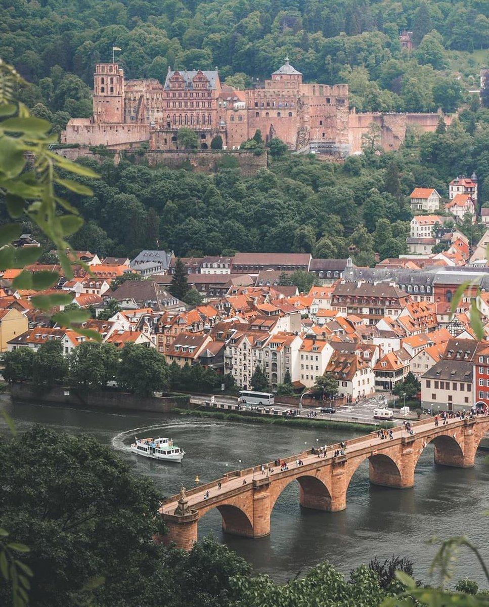 Fantastic view of Heidelberg!   #Germany pic.twitter.com/KWPWFYrNZ2