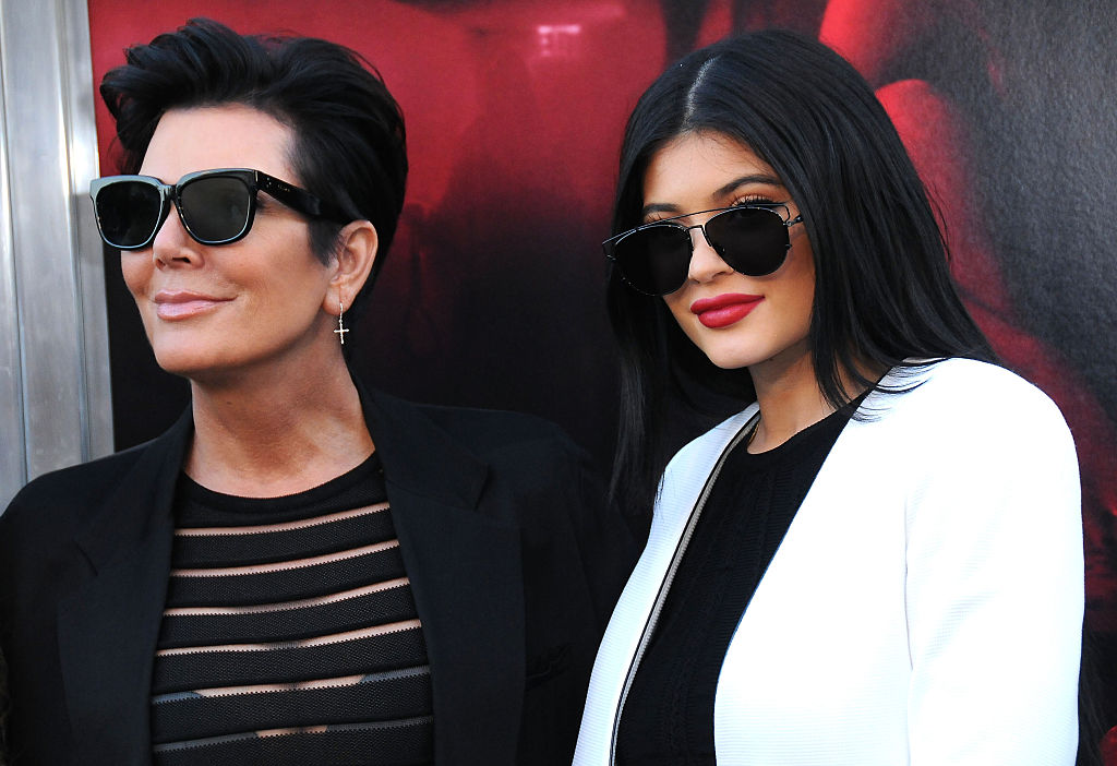 It's clear that Kylie's camp has been lying. Kylie Jenner responds to Forbes claiming she and Kris Jenner have been exaggerating their wealth in financial papers & saying she is no longer a billionaire: bit.ly/36INr4a